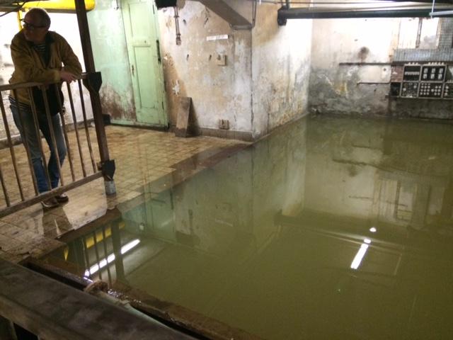 Afvoer Douche Herstellen : Lekkage herstellen of repareren in amsterdam akc loodgieter akc